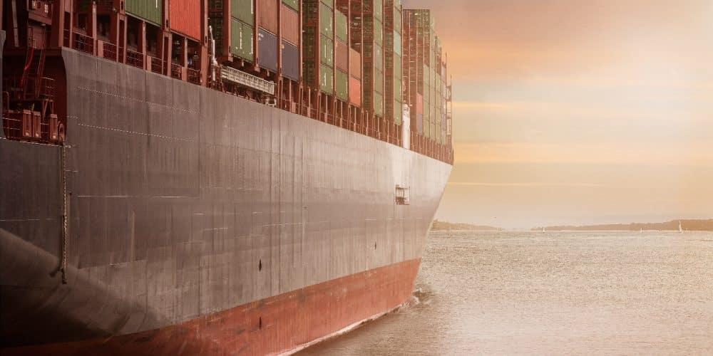 transport maritim container partial